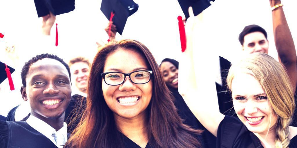 Hacemos trabajos universitarios - Trabajos universitarios por encargo